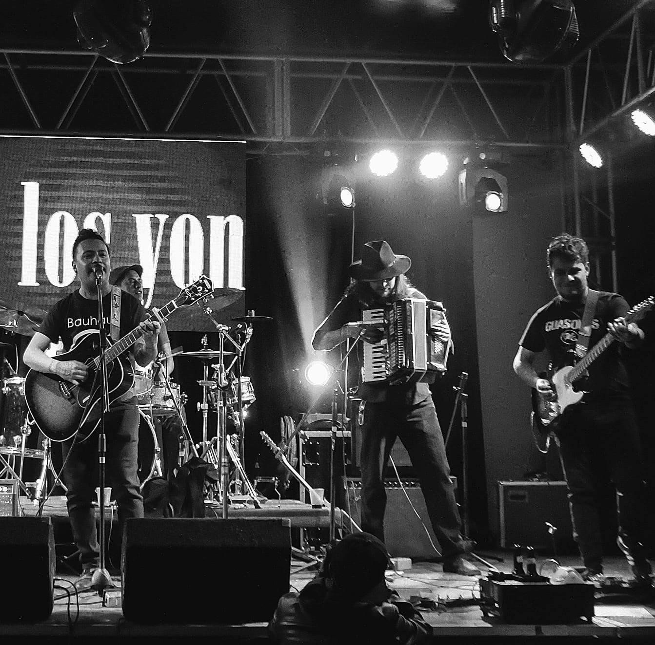 """Iván García y los Yonkis presentan su sencillo """"Cenicero"""""""